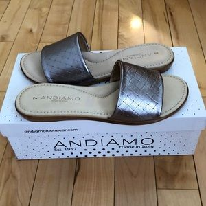 Andiamo Leather Flats Sandals Made in Italy